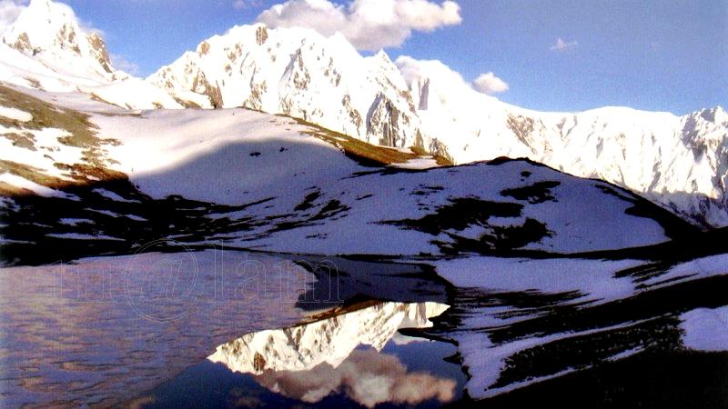 Rush Lake or Rush Phari